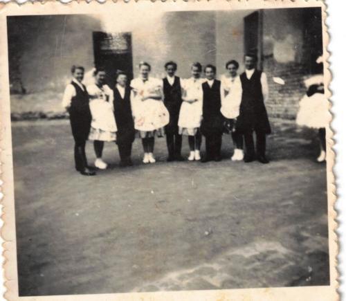 1956 Nagykónyi tánccsoport000