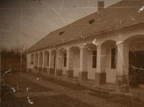 1920-1930 iskola belső udvara