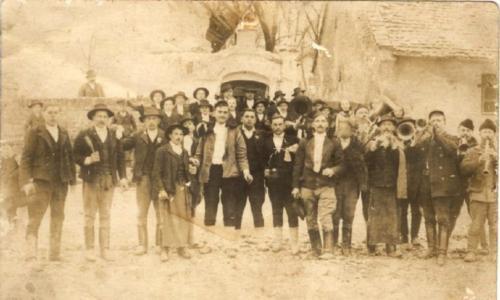 1945 kis utcai kápolna elött