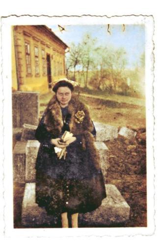 1948 épül a hösi halottakért emlékmű